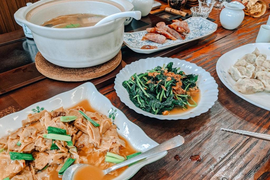 筍のスープ、青菜の炒め物